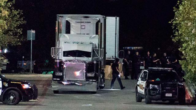 Hallados 8 muertos y 20 heridos dentro de un camión en Texas