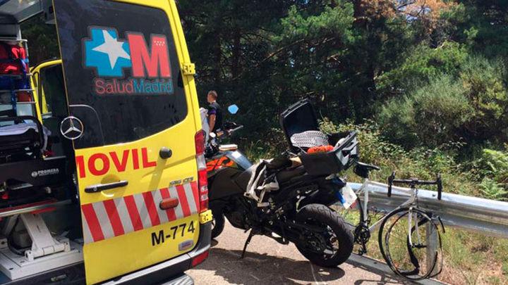 Un ciclista muere al chocar con una moto cuando bajaba por el Puerto de Canencia