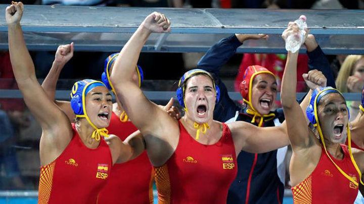 12-14. España gana a Grecia en los penaltis y jugará la semifinal ante Canadá