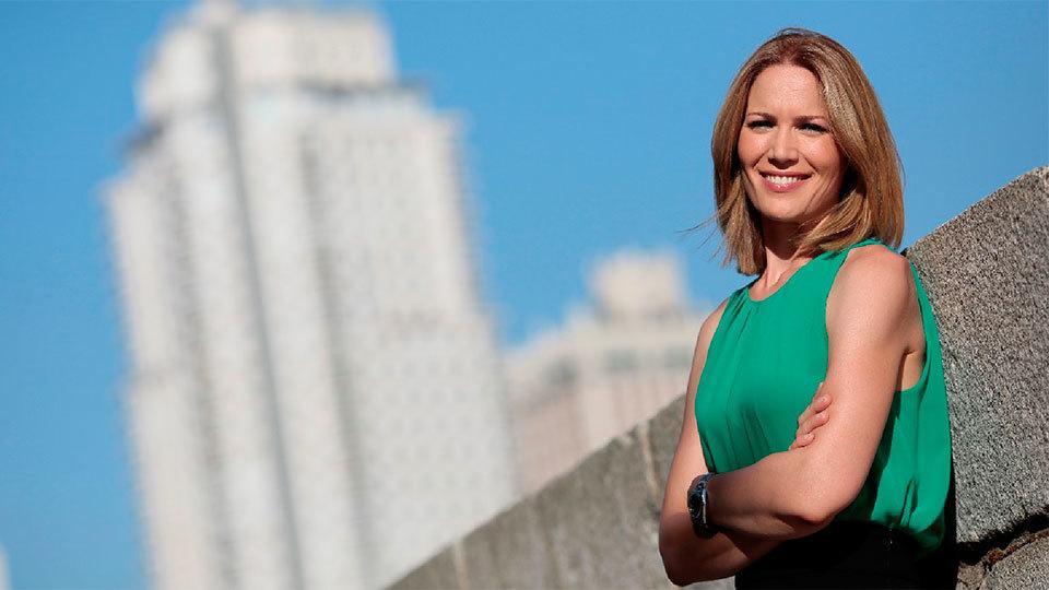 Silvia Intxaurrondo, presentadora de Telenoticias Fin de Semana en Telemadrid