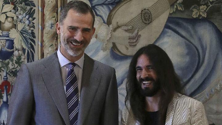 Felipe VI recibe en Palma a las autoridades de Baleares