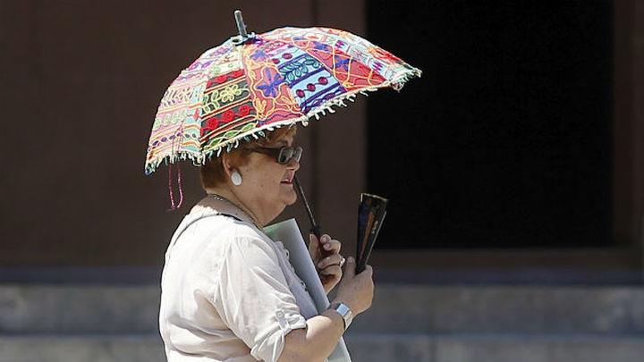 Recomendaciones para protegerse del calor extremo este fin de semana en Madrid