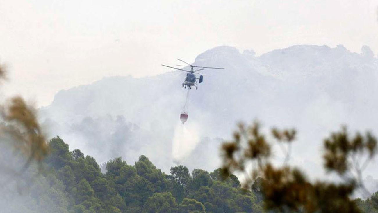 El incendio de Yeste sigue sin control, cinco días después de su inicio