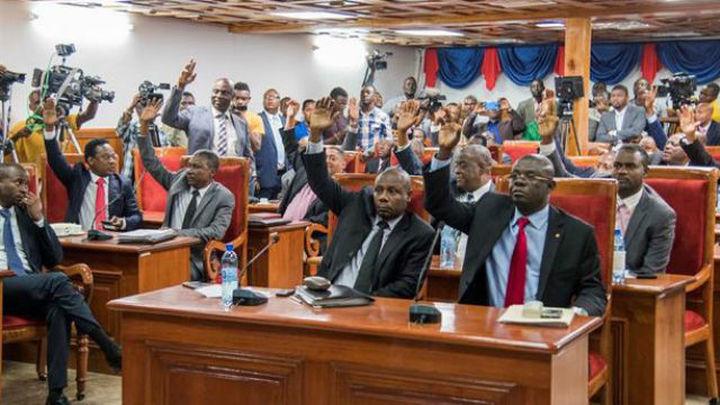 El Senado haitiano aprueba una ley que penaliza el matrimonio homosexual