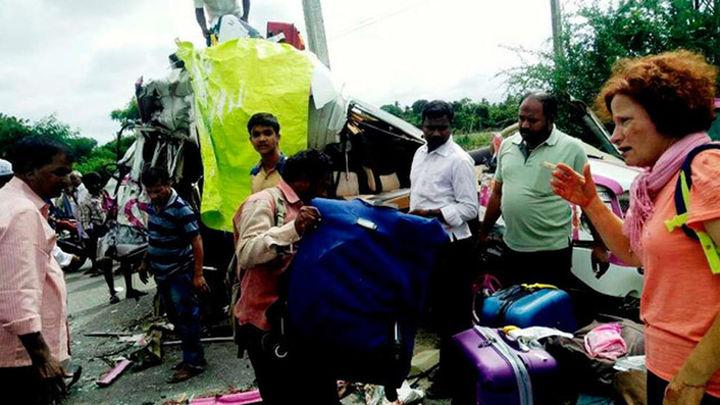 Mueren cuatro españoles y siete heridos en un accidente de autobús en la India