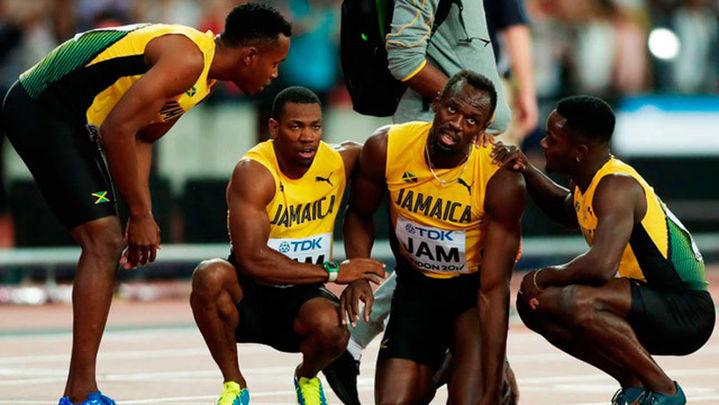 Adiós doloroso para Bolt, que se rompe en su última carrera