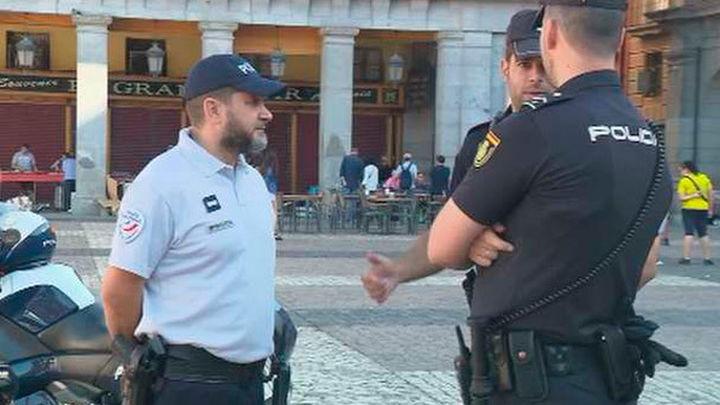 Policías franceses y españoles patrullan juntos en Madrid este agosto