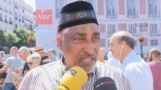 Más de un centenar de musulmanes se concentran contra el terrorismo en Madrid