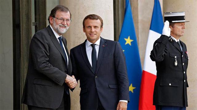 Mariano Rajoy recibido por el presidente francés, Emmanuel Macron