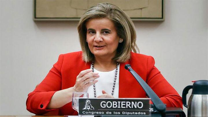 Báñez pide unánimidad para prorrogar los 450 euros a parados con cargas familiares