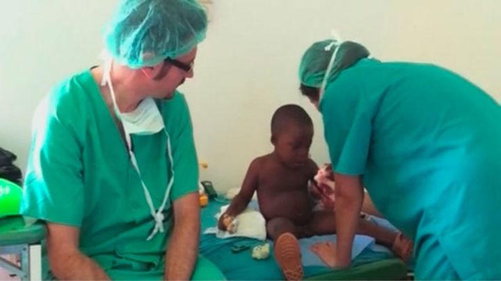 Médicos del Hospital Infantil Niño Jesús operan de forma altruista a 123 niños sin recursos en Guinea Ecuatorial