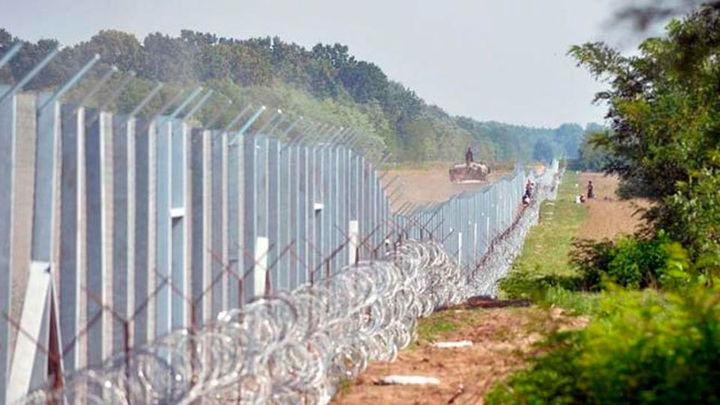 Hungría pide que la UE pague la mitad de los costes de la valla antirefugiados