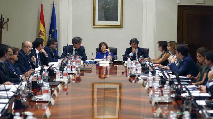 Santamaría reúne a los secretarios de Estado para aprobar medidas contra las leyes de ruptura