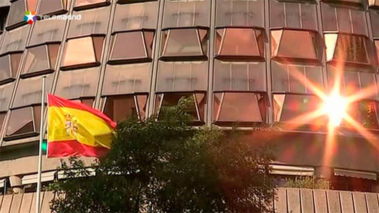 El Tribunal Constitucional suspende la convocatoria del referéndum