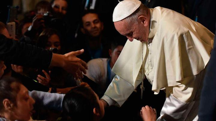 El papa advierte a los religiosos colombianos que no caigan en la corrupción