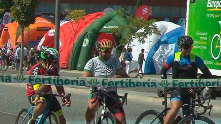 La Plaza de Cibeles acoge la meta final de la Vuelta Ciclista a España