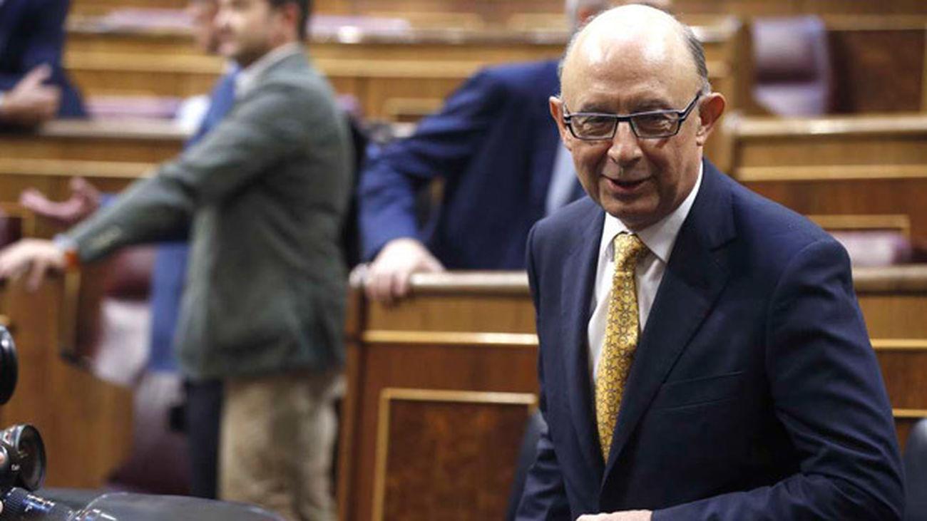 Hacienda ofrece a los funcionarios una subida salarial a tres años vinculado al PIB