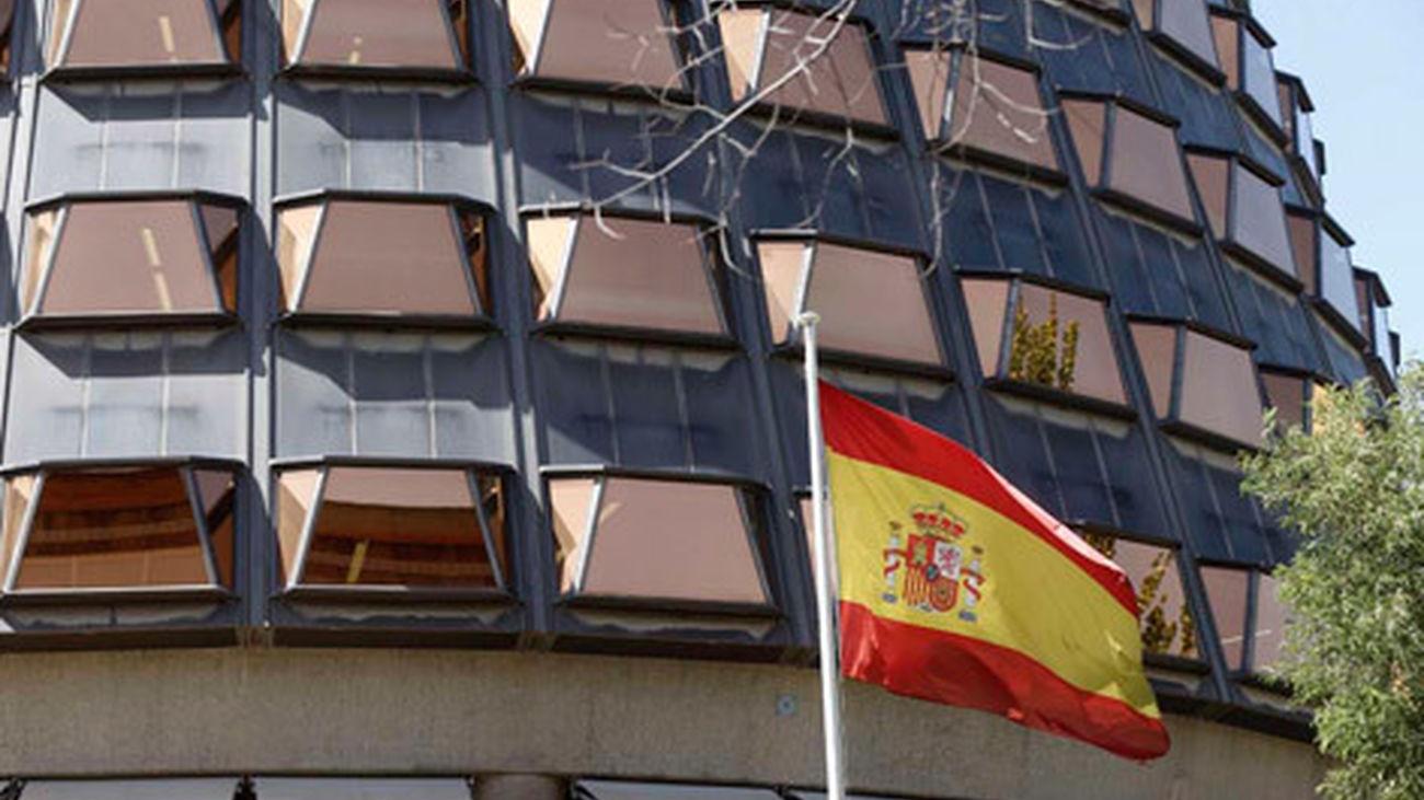 El Tribunal Constitucional suspende la ley de ruptura  y el código tributario de Cataluña