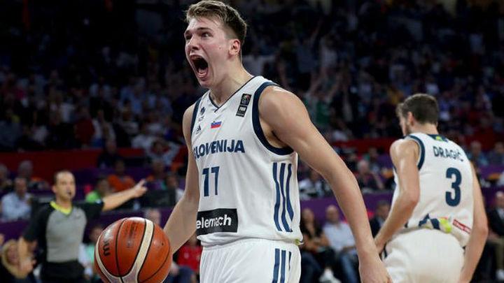 93-85. Eslovenia gana su primer Eurobasket frente a Serbia