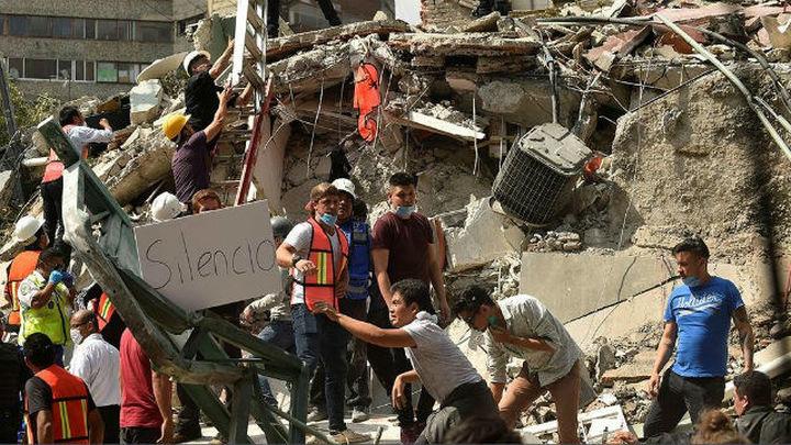 México suspende el fútbol tras el terremoto