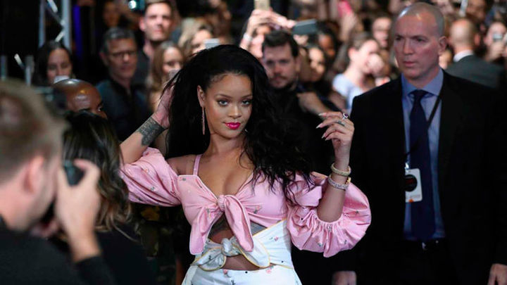 Rihanna deslumbra en Madrid en la presentación de sus cosméticos
