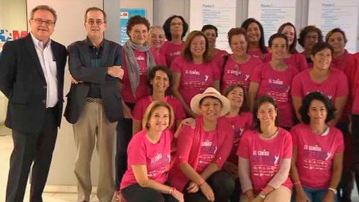 Quince pacientes con cáncer de mama inician el Camino de Santiago