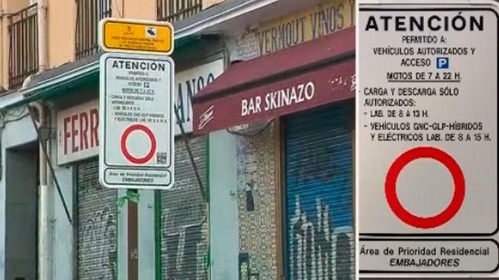 Lluvia de multas en la calle Arniches por un cartel que confunde a los conductores