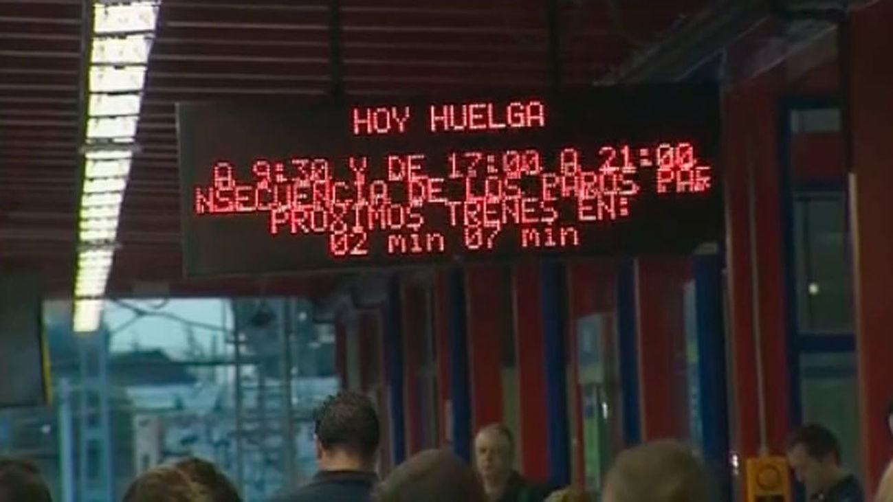 """Metro habla de """"escasa incidencia"""" de la huelga de maquinistas en el primer tramo"""