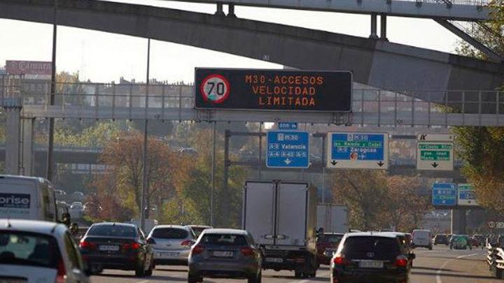 Madrid limita por polución la velocidad a 70 kilómetros por hora en la M-30