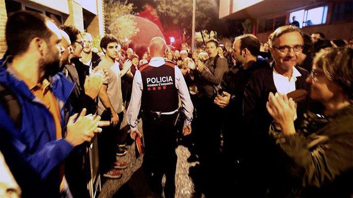 El juez imputa a la jefa de los Mossos en la zona norte de Barcelona por el 1-O