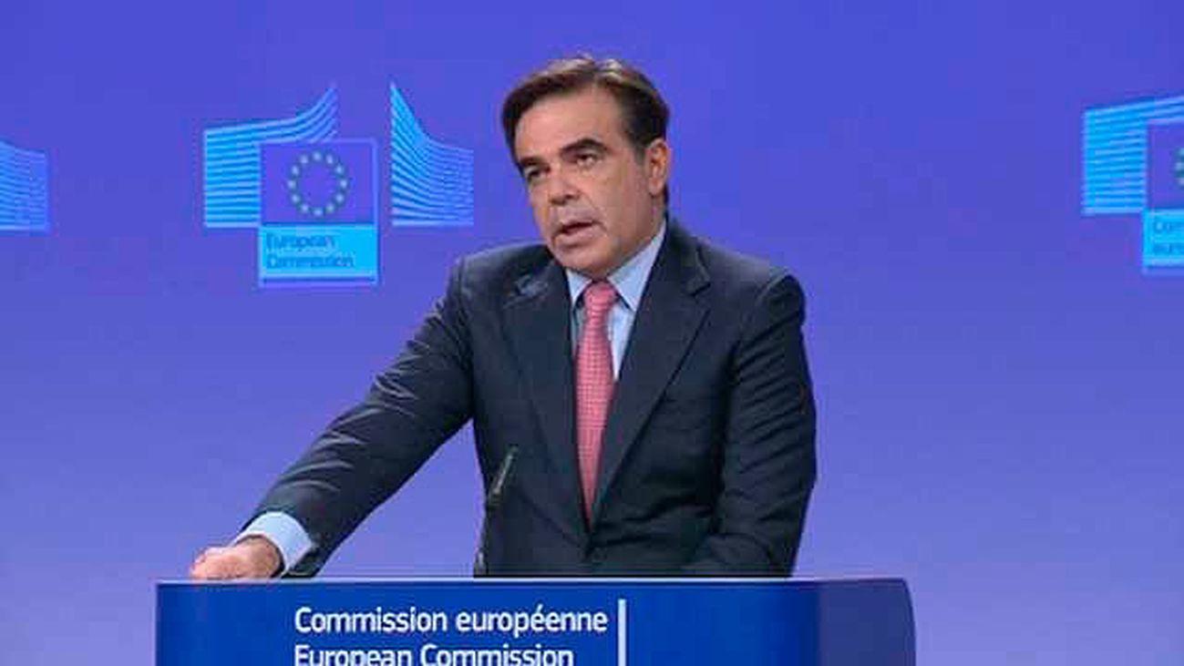"""La Comisión Europea reitera su apoyo al """"orden constitucional"""" en España"""