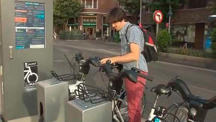 Los abonados de BiciMAD ya pueden alquilar su bici con tarjeta de transportes
