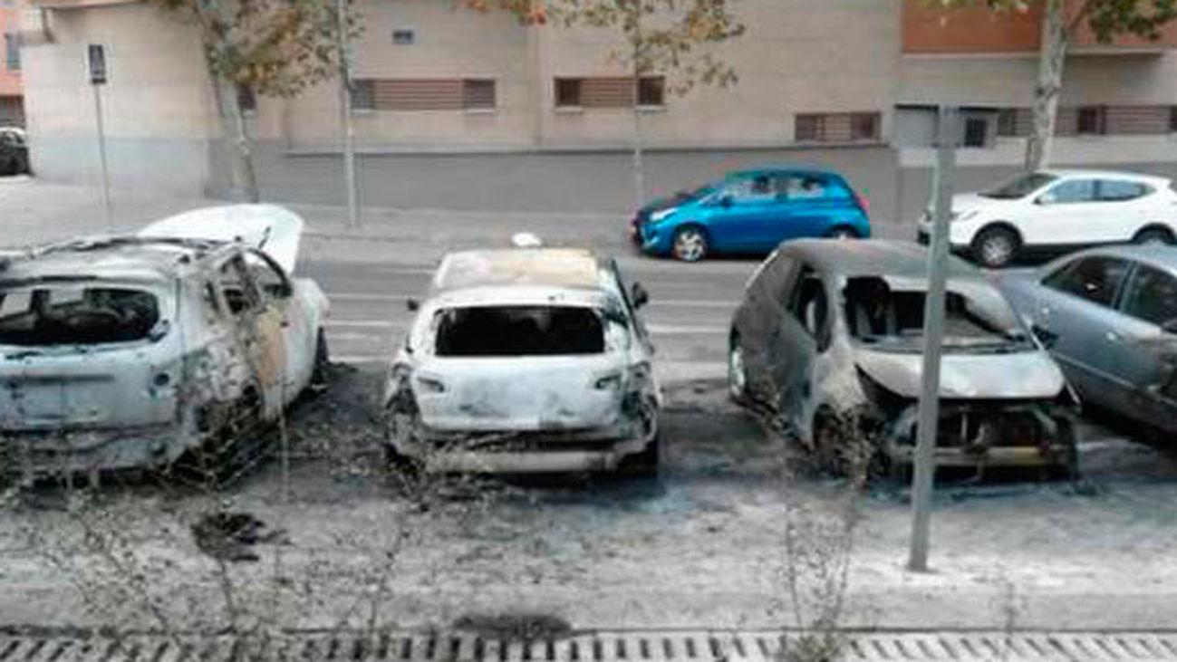 Cinco coches calcinados en San Blas este fin de semana