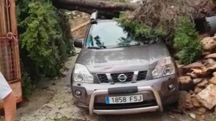 Trece heridos por cortes y contusiones durante el temporal en Tarragona