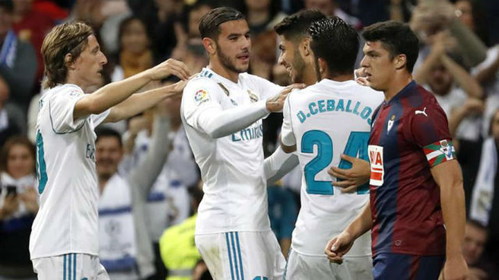 3-0. Un Real Madrid a medio gas bate al Eibar