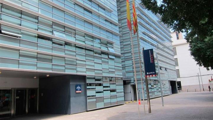 La Guardia Civil busca comunicaciones de los Mossos en varias comisarías