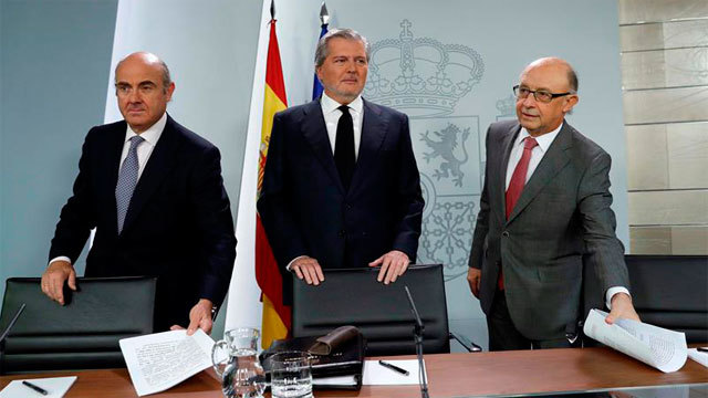 Luis de Guindos, Íñigo Méndez de Vigo y Cristóbal Montoro