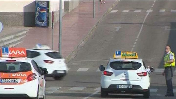 Barcelona, Madrid y Sevilla, las más  afectadas por la huelga de examinadores de tráfico