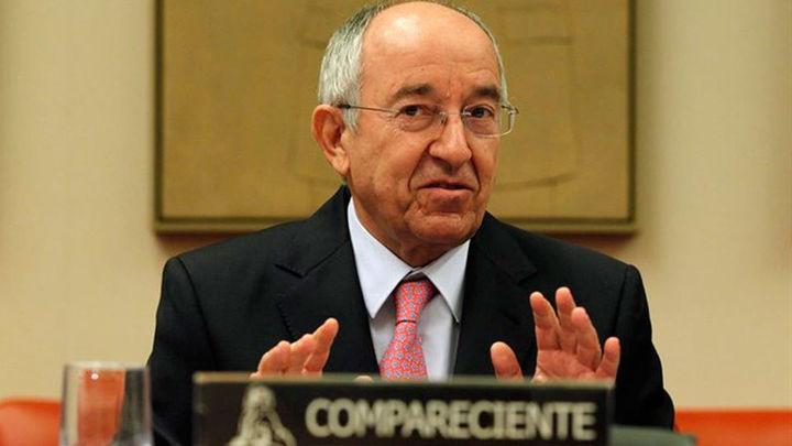 """El exgobernador del Banco de España reconoce que """"se han hecho mal cosas"""""""
