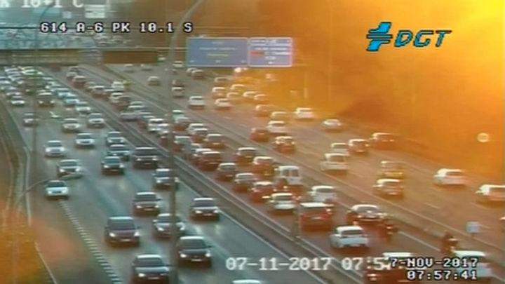 Varios accidentes han complicado la hora punta en las carreteras madrileñas