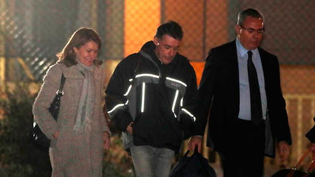 González pasa su primera noche fuera de prisión después de 200 días