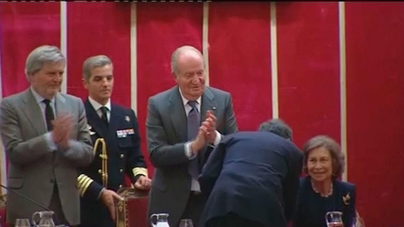 Medalla de Honor de la Academia de Bellas Artes al Teatro Real
