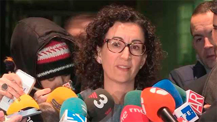 """Rovira: """"Nosotros defendemos pacíficamente  la democracia y ellos la imponen encarcelando"""""""
