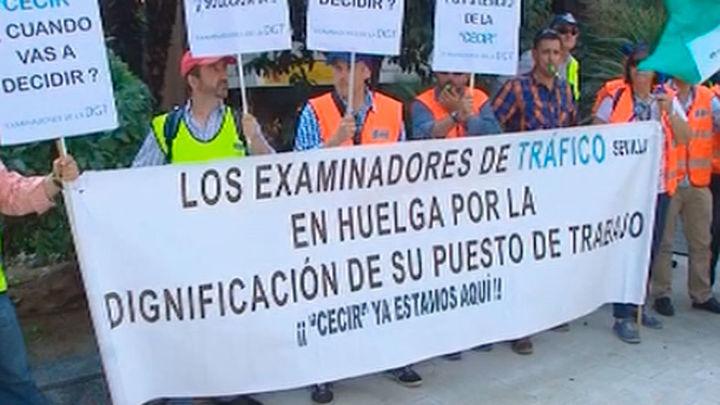 DGT y examinadores en huelga acercan posturas tras 4 horas de reunión