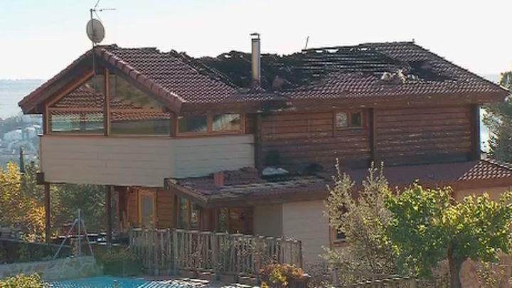 Un vecino de Manzanares denuncia que su seguro no asume el incendio de su casa