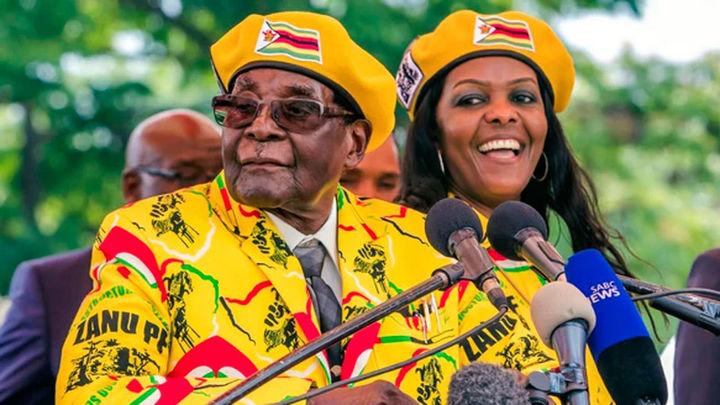 Zimbabue despierta con cierta normalidad tras el golpe de Estado