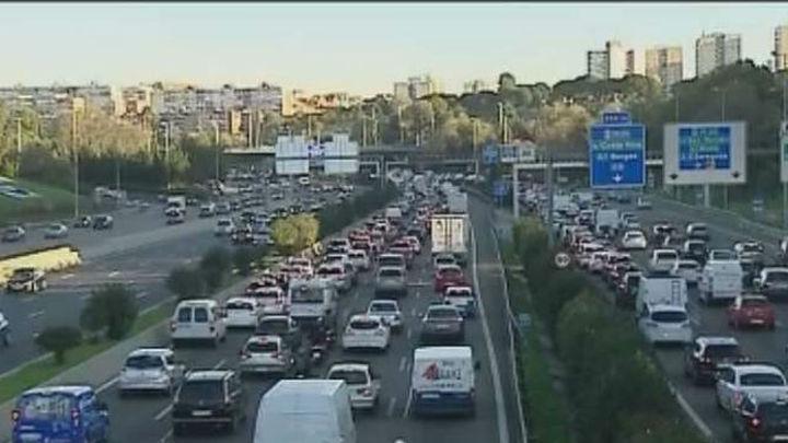 Este miércoles seguirán las limitaciones a la velocidad y al aparcamiento en Madrid