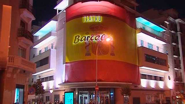Siete detenidos por apalear a unos jóvenes en el Teatro Barceló