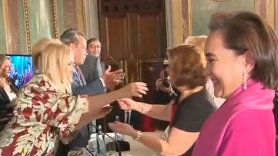 Cifuentes entrega los galardones a los farmacéuticos de Madrid