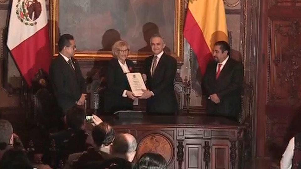 La alcaldesa de Madrid, Manuela Carmena, nombrada huésped distinguida de la capital mexicana